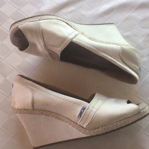 TOMS ivory wedges